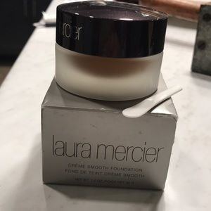 NWT Laura Mercier Creme Smooth Foundation